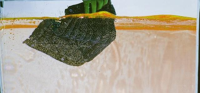 Australian scientists develop novel polymer sponge for oil spills